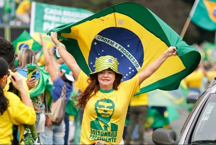 """Capturar 24 - Porque o Brasil do """"mito"""" não vai reclamar do preço da carne e do gás neste 7 de setembro?? - Por Marcos Thomaz"""