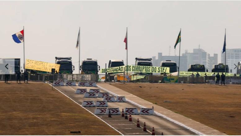 Capturar 31 - ADESÃO: Sobe para 14 o número de estados com protestos de caminhoneiros em rodovias