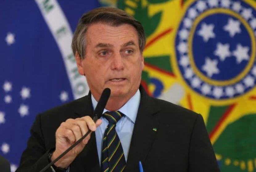 """Capturar 48 - """"Minoria que foi às ruas ontem é digna de pena"""", alfineta Bolsonaro"""