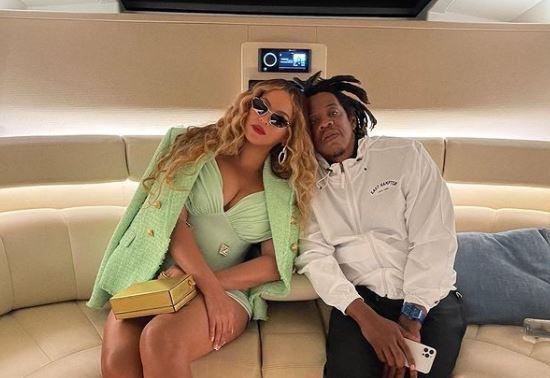 Capturar 52 - Beyoncé e Jay-Z curtem descanso em iate de R$ 2 bilhões de Jeff Bezos