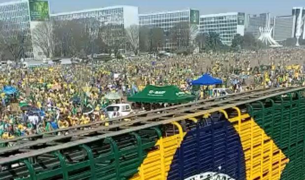 Capturar.JPGccc - NO DF: Manifestantes se concentram na Esplanada dos Ministérios - VEJA VÍDEO