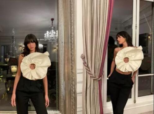 Capturar.JPGlllll - Bruna Marquezine escolhe look ousado para jantar em Paris