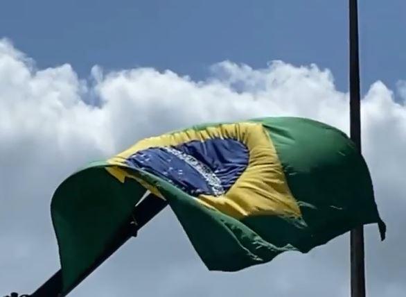 Capturar.JPGss  2 - Bandeira do Brasil é hasteada no Busto de Tamandaré em João Pessoa - VEJA VÍDEO