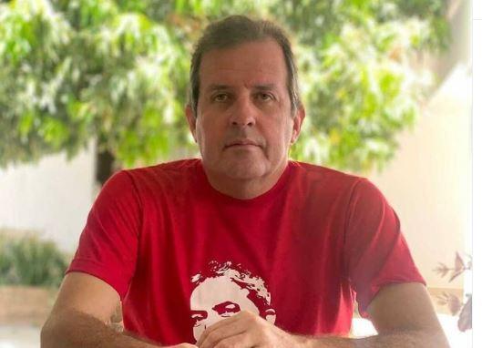 "Capturar.JPGss  3 - Prefeito de Sousa, Fábio Tyrone, publica post pela democracia e completa: ""E viva LULA!"""