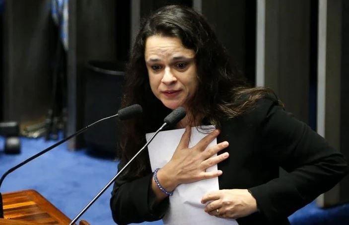 Capturar.JPGuj  - 'Desconectados da realidade', diz Janaina Paschoal sobre adeptos do impeachment de Bolsonaro