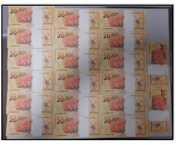 Cedula falsa 2 - EM JP: Servidor público estadual é preso pela PF ao receber encomenda com R$ 1 mil em cédulas falsas