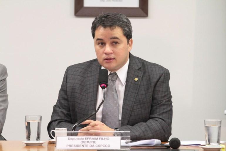 Efraim Filho 2 - Efraim aposta na fusão DEM-PSL para turbinar candidatura ao Senado