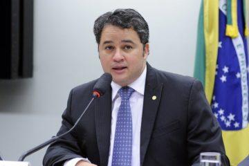 Efraim Filho 360x240 - Efraim diz que fusão entre DEM e PSL fortalecerá projeto ao Senado