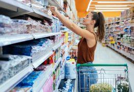 Professora de Química explica como fake news pode influenciar compras de alimentos