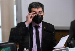 Senador Randolfe Rodrigues aciona STF contra Jair Bolsonaro