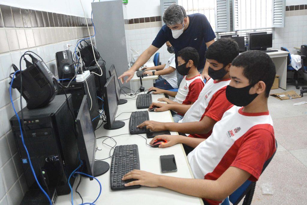 SEDEC ESPECIAL ROBOTICA FOTO KLEIDE TEIXEIRA 04 1024x683 1 - Ensino de Robótica nas escolas municipais de João Pessoa tem papel transformador na vida de alunos