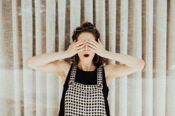 Entenda como hábitos aparentemente inofensivos podem prejudicar a saúde da visão