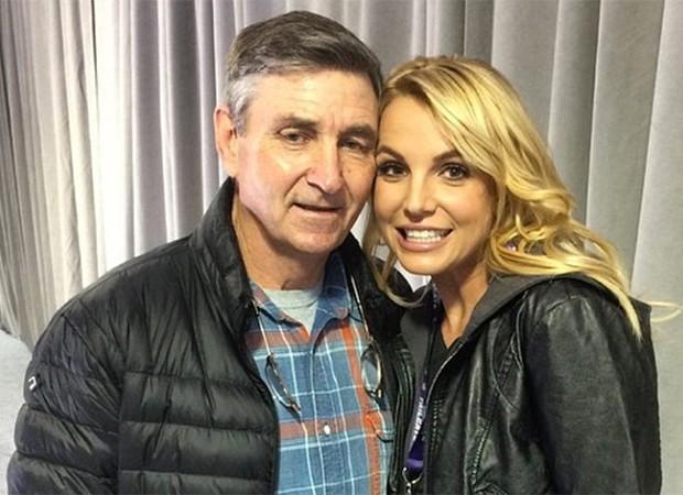 Spears - Oficialmente livre: pai de Britney Spears é suspenso da função de tutor da cantora