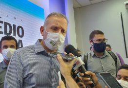 """""""Vai fazer a diferença na vida dessas 60 mil pessoas"""", diz Aguinaldo durante lançamento do programa 'Remédio em Casa', em João Pessoa"""