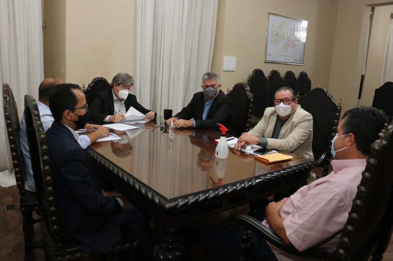 WhatsApp Image 2021 09 03 at 13.54.38 scaled - Em reunião com governador, prefeito Léo Martins garante obras para Sobrado