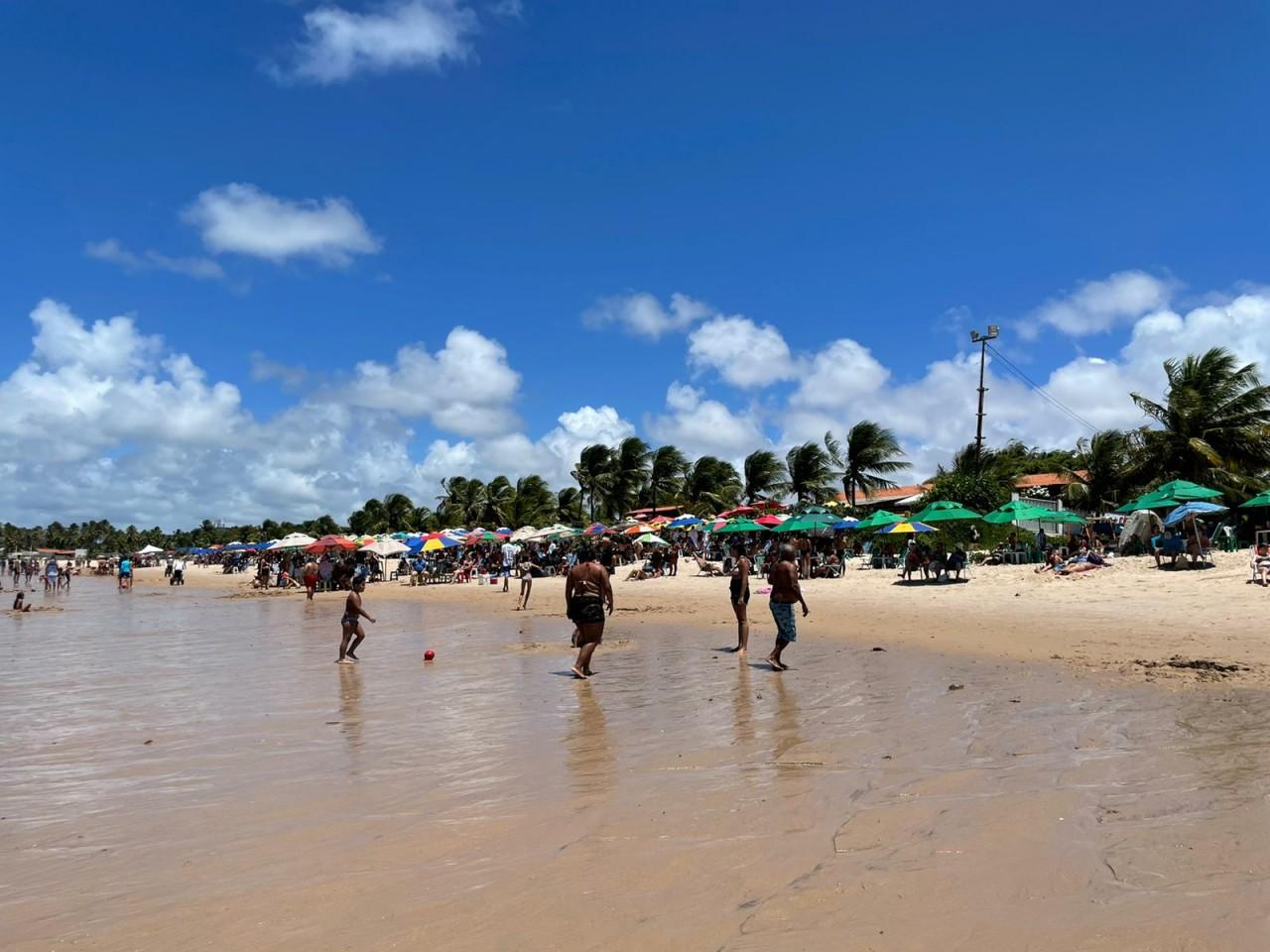 WhatsApp Image 2021 09 07 at 11.11.58 - LONGE DAS MANIFESTAÇÕES: Praias de JP registram grande acúmulo de pessoas neste feriado