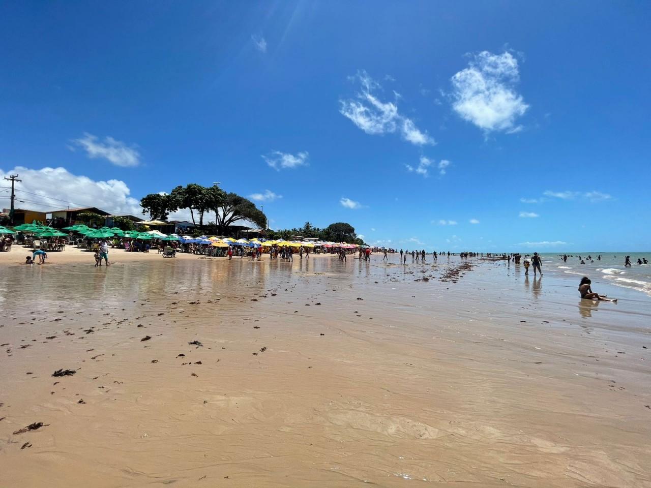 WhatsApp Image 2021 09 07 at 11.12.02 - LONGE DAS MANIFESTAÇÕES: Praias de JP registram grande acúmulo de pessoas neste feriado