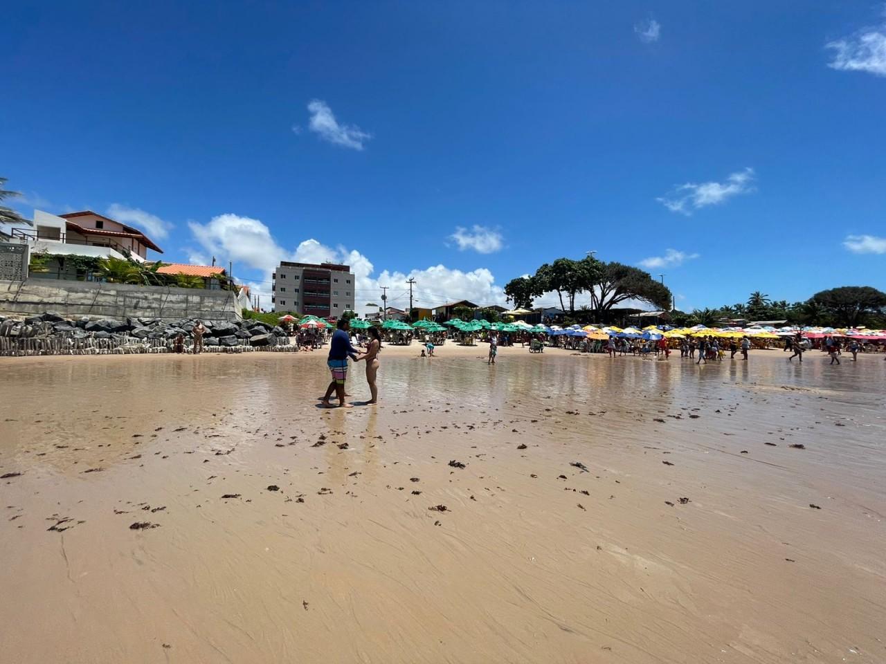 WhatsApp Image 2021 09 07 at 11.12.04 - LONGE DAS MANIFESTAÇÕES: Praias de JP registram grande acúmulo de pessoas neste feriado