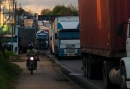 Em protesto dos caminhineiros, pista sentido João Pessoa, em Igarassu, foi bloqueada nesta manhã – VEJA VÍDEO