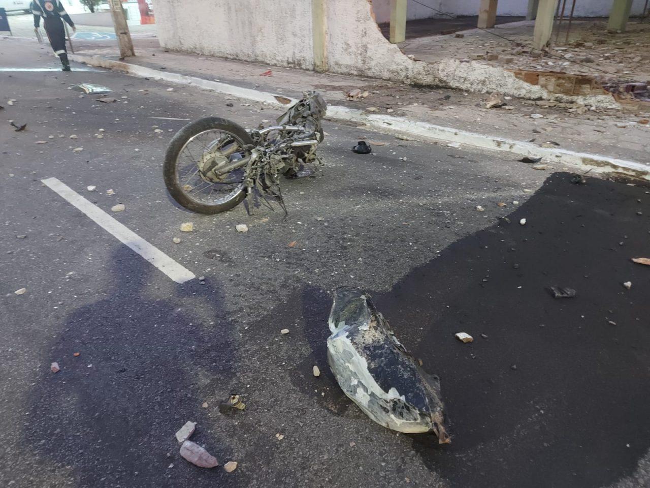 """WhatsApp Image 2021 09 11 at 08.17.17 1 scaled - TRAGÉDIA! Motoboy morre em acidente envolvendo carro em João Pessoa, e amigos acusam motorista: """"Estava embriagado"""" - VEJA VÍDEO"""