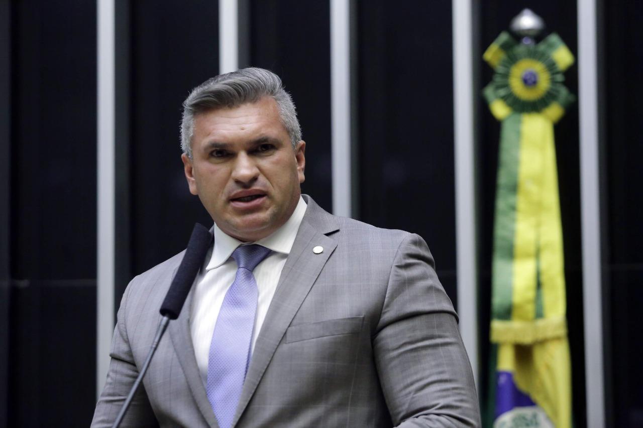 WhatsApp Image 2021 09 16 at 18.03.20 1 - Deputado Federal Julian Lemos é contrário a quarentena para forças de segurança disputarem eleições