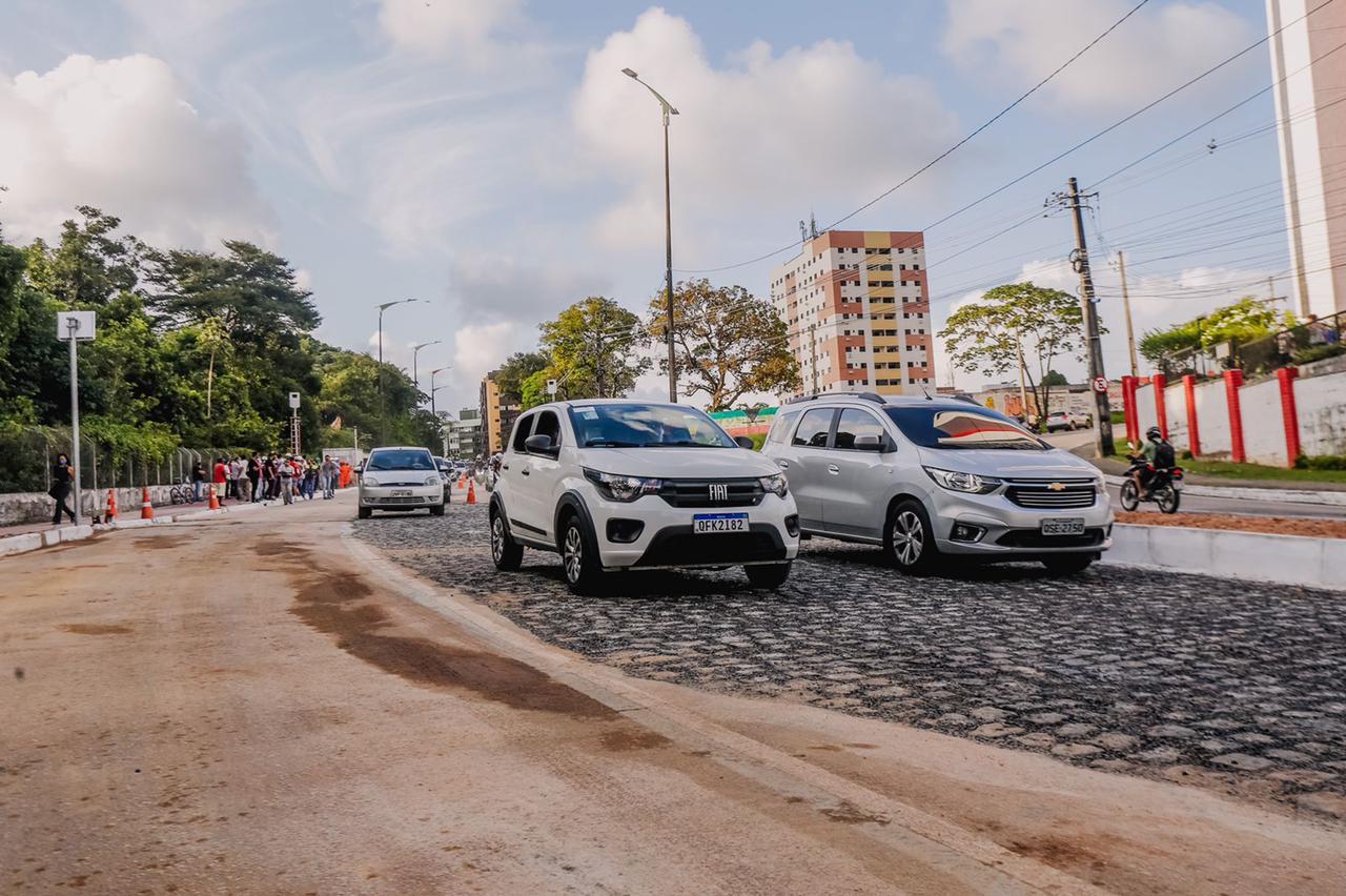 WhatsApp Image 2021 09 17 at 17.45.57 1 - TRÂNSITO LIVRE: avenida Dom Pedro II é liberada para tráfego de veículos após fechamento de cratera