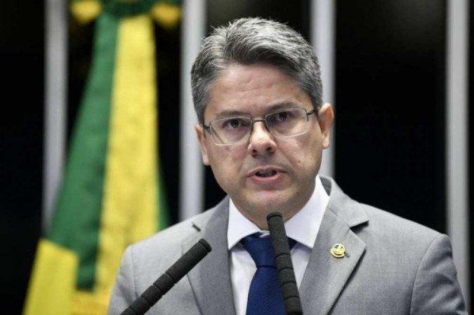 """alessandro vieira - Pré-candidato a presidente pelo Cidadania, Alessandro Vieira diz que irá se reunir com Azevêdo e avalia apoio de João a Lula: """"Merece todo o respeito"""""""