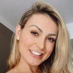 andressa urach selfie 1 1 150x150 - Andressa Urach diz que não gosta mais de igrejas: 'Não passam de um CNPJ'