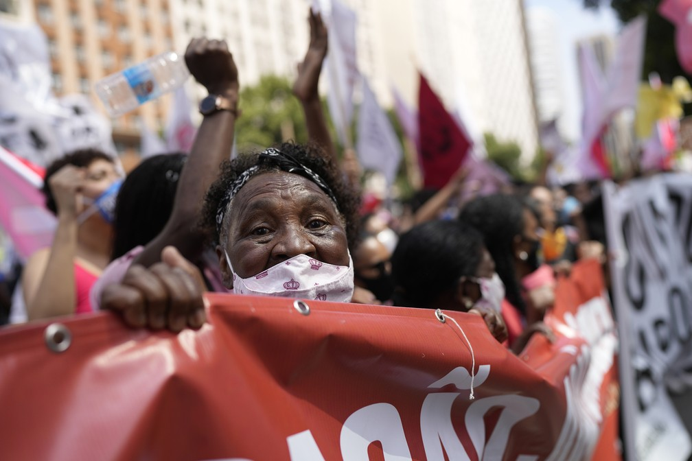 ap21250567828498 b - PROTESTOS PELO BRASIL: Veja imagens de atos contra Bolsonaro no 7 de Setembro