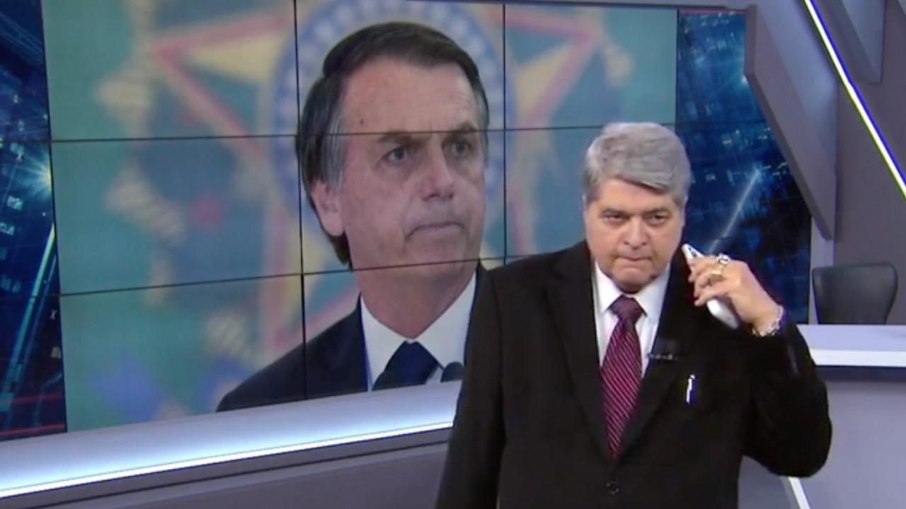 boLSONARO BAND - Datena confronta Bolsonaro ao abordar manifestações, e presidente encontra colo em Sikêra Jr