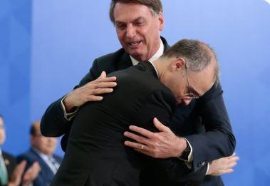 """boo 1 - Gilmar diz que demora para aprovar Mendonça é """"ciúme"""" do Senado"""