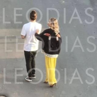 """caio castro flagra loira - Solteiro, Caio Castro é flagrado com loira em Minas Gerais e viraliza na internet: """"Esse não sofre"""""""