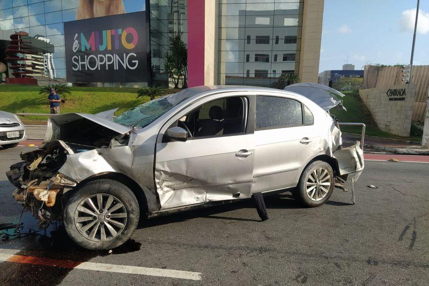 carro envolvido em acidente no retao de manaira - Alta velocidade, direção perigosa, risco a pedestres: infrações praticadas por suspeito de atropelar Kelton Marques chegam a R$ 8 mil; confira relatório