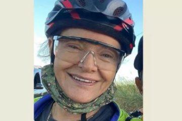 ciclista 360x240 - Motorista achou que seria assaltada, jogou carro pra cima de ciclistas e matou mulher de 67 anos