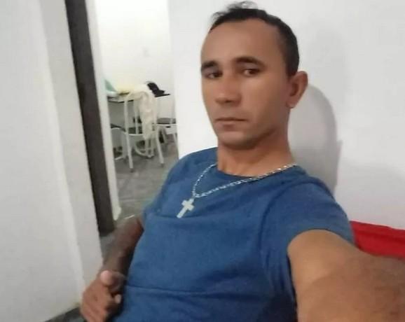 criminoso - CHACINA: homem mata ex-mulher, filha, outras 3 pessoas da família e comete suicídio