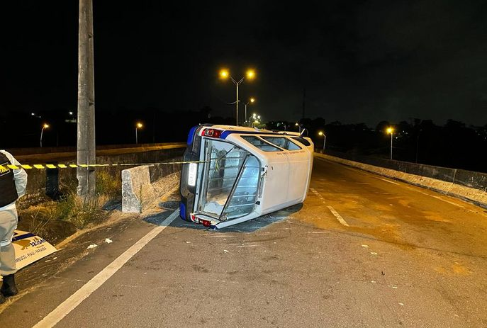 csm carro de funeraria capota acc232d90d - Carro de funerária tomba em João Pessoa