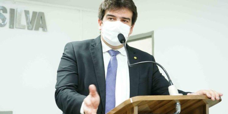 """eduardo2 750x375 1 - Eduardo Carneiro abraça campanha do Setembro Amarelo: """"Mais do que nunca é importante estender a mão para quem está ao nosso lado"""""""