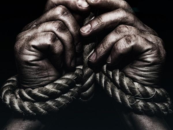 escravidao - Grupo de alunos lança petição online pedindo a volta da escravidão e causam revolta