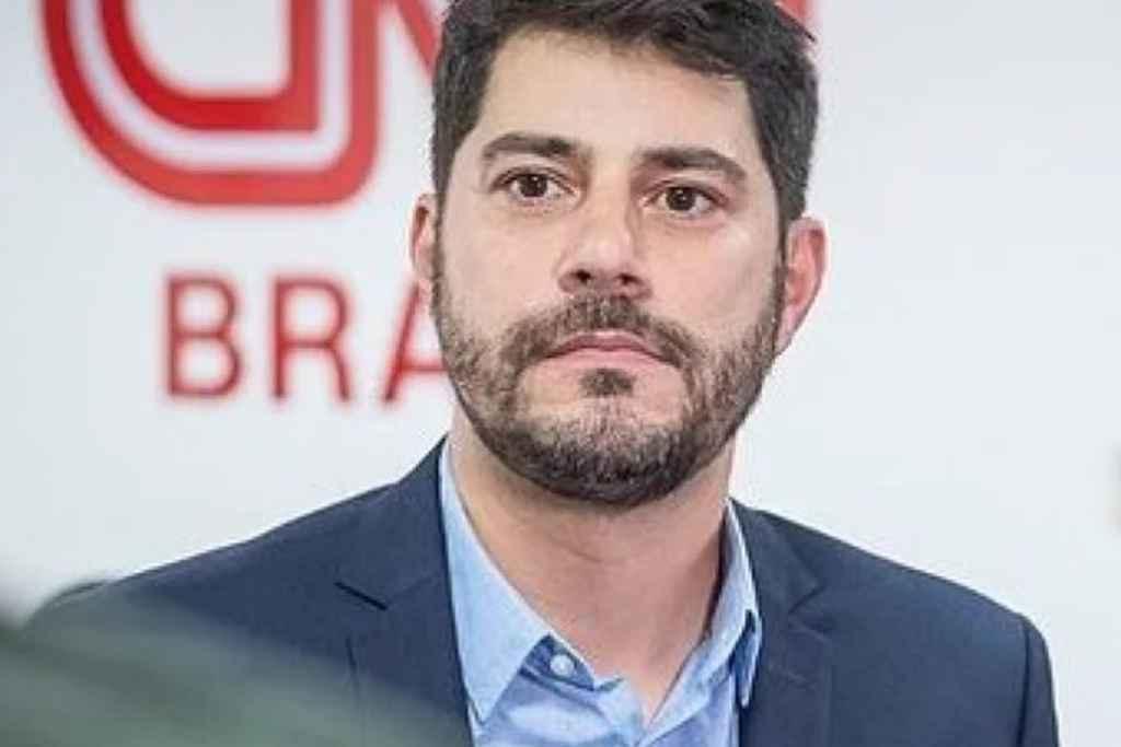 evaristo costa cnn - Evaristo Costa negocia parte financeira da rescisão com CNN