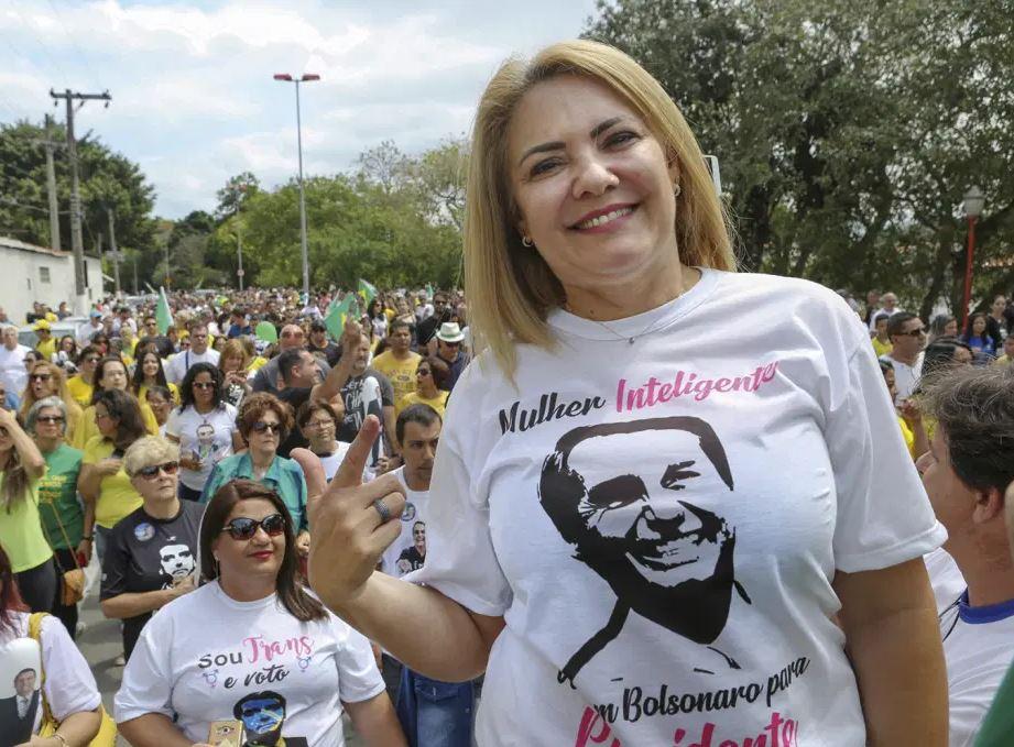 ex - CPI da Covid aprova convocação da ex-mulher de Bolsonaro