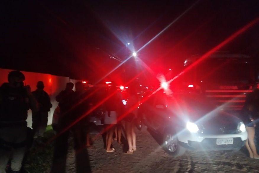 festa clandestina no bairro das industrias - 200 PESSOAS: festa clandestina é encerrada pela Vigilância Sanitária em João Pessoa
