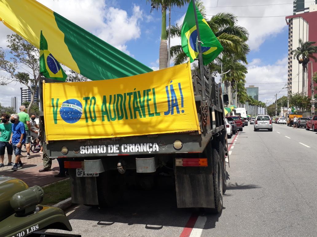 foto cg - Campina Grande já registra primeiras manifestações favoráveis e contrárias a Bolsonaro - VEJA IMAGENS