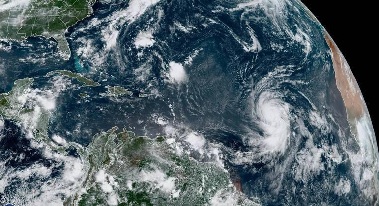 furacao larry 04092021164012944 - Furacão Larry ganha força e ameaça costa leste dos EUA