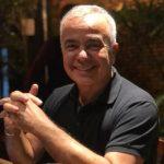 """gerardo rabello 150x150 - Gerardo Rabello testa positivo para Covid-19 e tranquiliza seguidores: """"Estamos vencendo"""""""