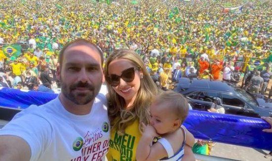 """heloisa e1632760818468 - """"KIT COVID"""": Mulher e filha de Eduardo Bolsonaro testam positivo para Covid-19; esposa do deputado diz que não tomou vacina e que fez uso da cloroquina"""
