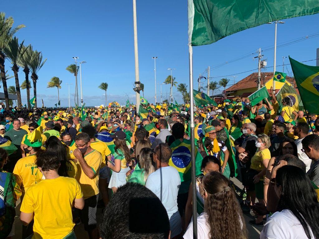 joao pessoa 2 - Manifestantes favoráveis a Bolsonaro se concentram no Busto de Tamandaré, em João Pessoa - VEJA IMAGENS E VÍDEOS