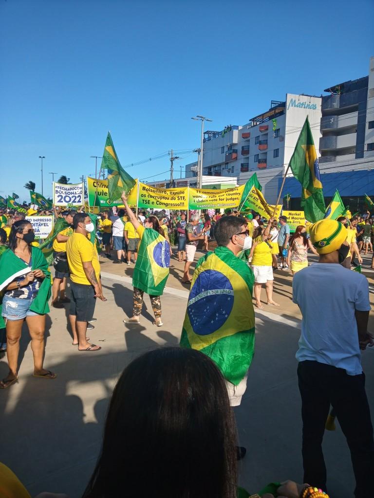 joao pessoa 3 - Manifestantes favoráveis a Bolsonaro se concentram no Busto de Tamandaré, em João Pessoa - VEJA IMAGENS E VÍDEOS