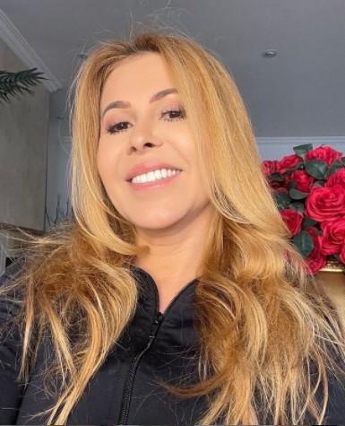 joelma cantora - NOVO AMOR! Após 3 anos solteira, Joelma engata namoro com fazendeiro bonitão e agita a web - VEJA