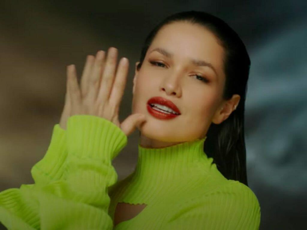 juliette 3 1024x768 1 - 'DIFERENÇA MARA': Primeiro clipe de Juliette tem beijo gay e clima intimista - ASSISTA