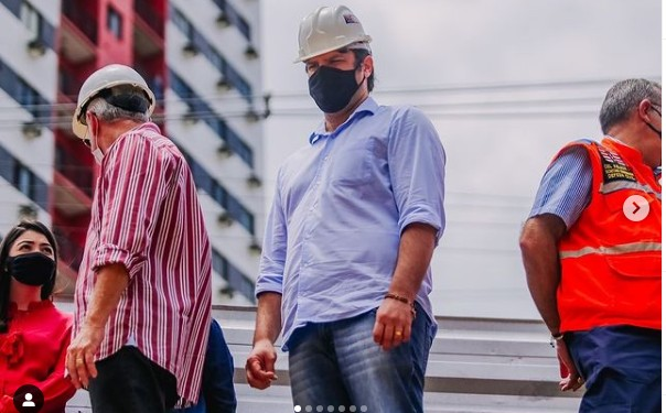 """leo bezerra 1 604x375 1 - Vice-prefeito Leo Bezerra inspeciona obras da Pedro II e garante celeridade: """"Daqui a poucos dias faremos a entrega da área à população"""""""